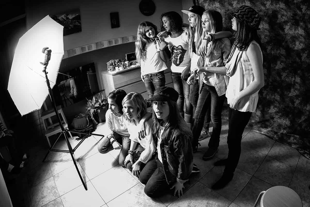 fotostudio thuis glamourshoot modelfeest tieners meisjes vriendinnen Hoofddorp
